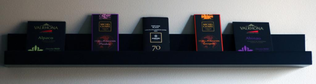 Sjokoladeutstilling Nettbutikk (Valrhona Alpaco, Valrhona Abinao, Michel Cluizel Maralumi, Michel Cluizel Conception, Amedei Toscano Black)